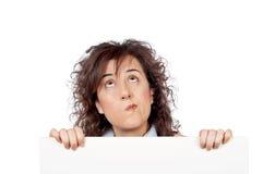 Geschäftsfrau, die oben schaut stockfotos