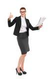 Geschäftsfrau, die sich Daumen zeigt Lizenzfreie Stockfotografie