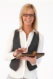 Geschäftsfrau, die Tablette verwendet Stockfotos