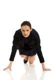 Geschäftsfrau, die zum Wettbewerb fertig wird Lizenzfreies Stockfoto