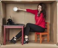 Geschäftsfrau, dort ist kein Kaffee in der Schale stockbilder