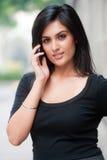 Geschäftsfrau draußen lizenzfreie stockfotografie