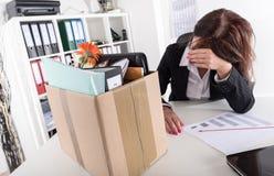 Geschäftsfrau gefeuert wegen der schlechten Ergebnisse Lizenzfreies Stockfoto