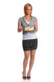 Geschäftsfrau-Holding-Tellersegment mit Geld Lizenzfreies Stockfoto