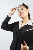 Geschäftsfrau-Holdingdatei lizenzfreies stockbild