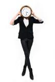 Geschäftsfrau mit Borduhr ful Höhe - setzen Sie Zeit Konzeptes fest Stockbilder