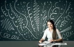 Geschäftsfrau mit gelockten Linien und Pfeilen Stockfotografie