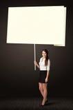 Geschäftsfrau mit Haftnotizpapier Stockfotos