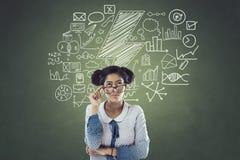 Geschäftsfrau mit Ikonen Lizenzfreie Stockfotos