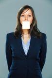 Geschäftsfrau mit klebriger Anmerkung Lizenzfreies Stockbild