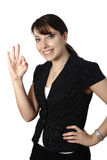 Geschäftsfrau mit OKAYgeste Lizenzfreies Stockbild