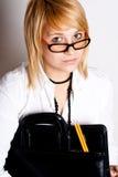 Geschäftsfrau mit Portefeuille lizenzfreies stockbild