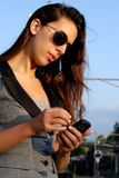 Geschäftsfrau mit Sonnenbrillen Stockfotos