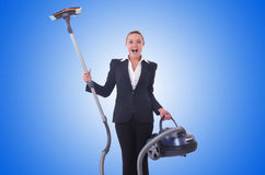 Geschäftsfrau mit Staubsauger auf Weiß Stockbilder