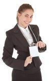 Geschäftsfrau mit unbelegtem Abzeichen Lizenzfreies Stockfoto