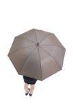 Geschäftsfrau-Nehmenregenschirm Lizenzfreies Stockbild