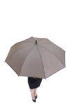 Geschäftsfrau-Nehmenregenschirm Lizenzfreies Stockfoto