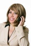 Geschäftsfrau nimmt einen Telefonaufruf lizenzfreie stockfotos