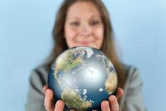 Geschäftsfrau Reaching The World Stockfotografie