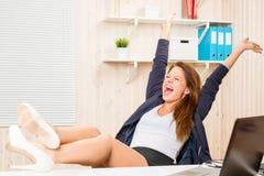 Geschäftsfrau sehr erfolgreich und glücklich lizenzfreies stockbild