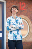 Geschäftsfrau Standing Outside Office Stockfotografie