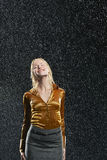Geschäftsfrau Standing In Rain Stockbilder