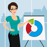 Geschäftsfrau stellt ein rundes Diagramm herein dar Stockbilder