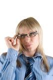 Geschäftsfrau stellte die Gläser gerade ein Stockfotografie