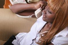 Geschäftsfrau am Telefon Lizenzfreie Stockfotos