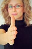 Geschäftsfrau und Händedruck Lizenzfreie Stockfotos