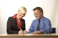 Geschäftsfrau und Mann lizenzfreies stockbild