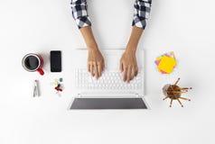Geschäftsfrau Working At Notebook Lizenzfreie Stockfotos