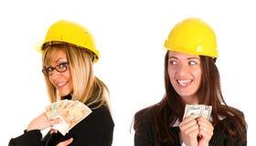 Geschäftsfrau zwei mit mit Einkommen Lizenzfreie Stockfotos