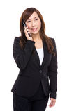 Geschäftsfraugespräch zum Handy Lizenzfreie Stockbilder