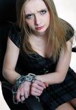 Geschäftsfrauhände gefesselt mit Kette Lizenzfreies Stockfoto