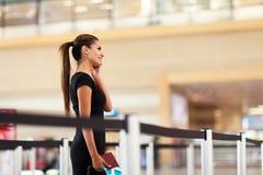 Geschäftsfrauhandy stockbilder