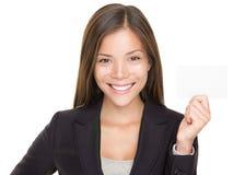 Geschäftsfrauholding-Visitenkarte lizenzfreies stockbild