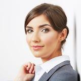 Geschäftsfrauporträt auf Weiß Stockfoto