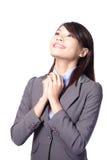 Geschäftsfrautag oben schauen träumend Stockbild