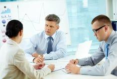 Geschäftsgespräch stockbilder