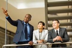 Geschäftsgruppe, die Arbeit bespricht Lizenzfreies Stockbild