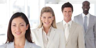 Geschäftsgruppe in einer Zeile mit differenzialem Fokus Lizenzfreies Stockfoto