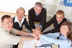 Geschäftsgruppehände setzten toghether Lizenzfreies Stockfoto