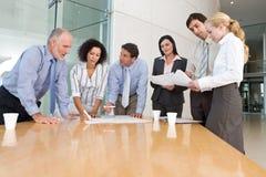 Geschäftsgruppesitzung Lizenzfreie Stockfotografie