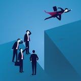 Geschäftsherausforderungskonzept Supergeschäftsmann Flying Over Gap Stockfoto