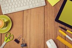 Geschäftshintergrund für Schreibtischspott herauf Schablone Ansicht von oben lizenzfreie stockbilder