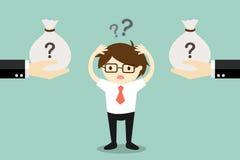 Geschäftskonzept, Geschäftsmann verwirrt zwischen zwei Wahlen des Geldes lizenzfreie abbildung