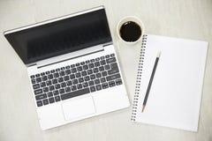 Geschäftskonzept und -notizbuch für Gedächtnis Innenministerium mit Lebensstil und langsamem Leben am freien Tag Arbeiten mit Not Stockfotografie