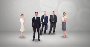 Geschäftsleute auf grauem Hintergrund Stockfoto