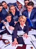 Geschäftsleute Büro Teamleute sind mit ihrem Führer unglücklich Stockfotos